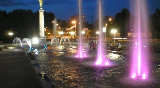 плавающий фонтан с подсветкой